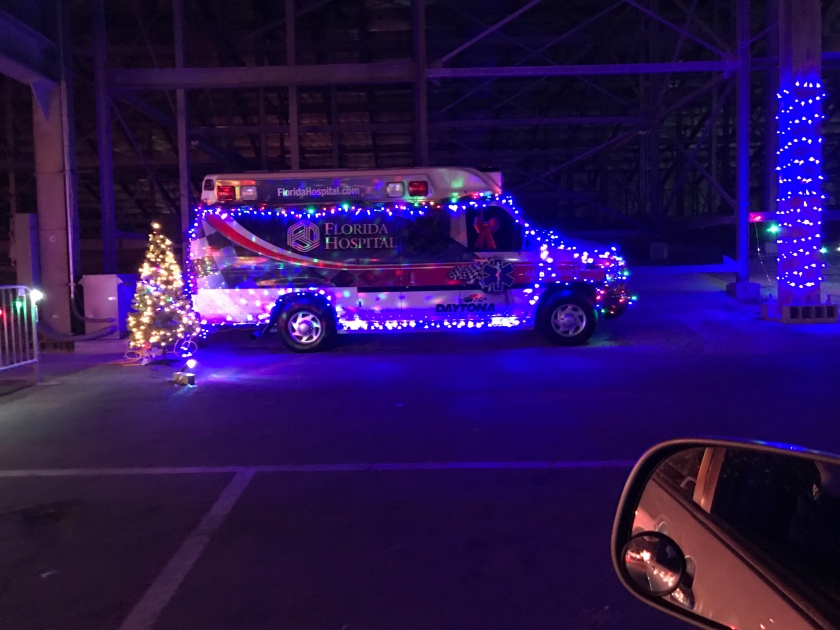 during my parents visit to daytona beach this year we took the opportunity to visit the daytona international speedway magic of lights holiday display